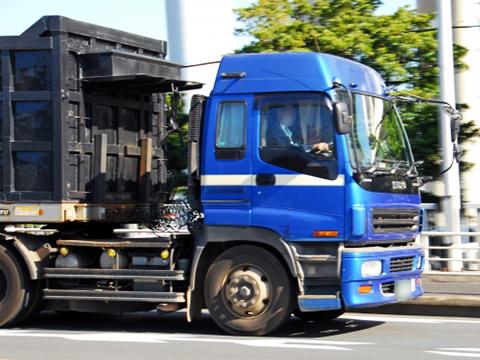 【関連記事】トレーラーの運転運転技術やバック&カーブのコツ!