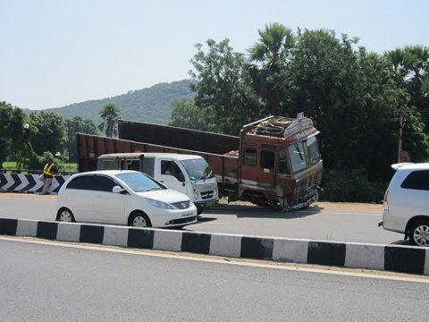 【関連記事】速度超過によるトラック事故について