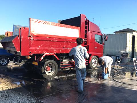 トラック高圧洗浄