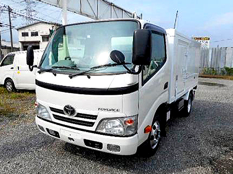 2トン冷凍車(冷蔵車)